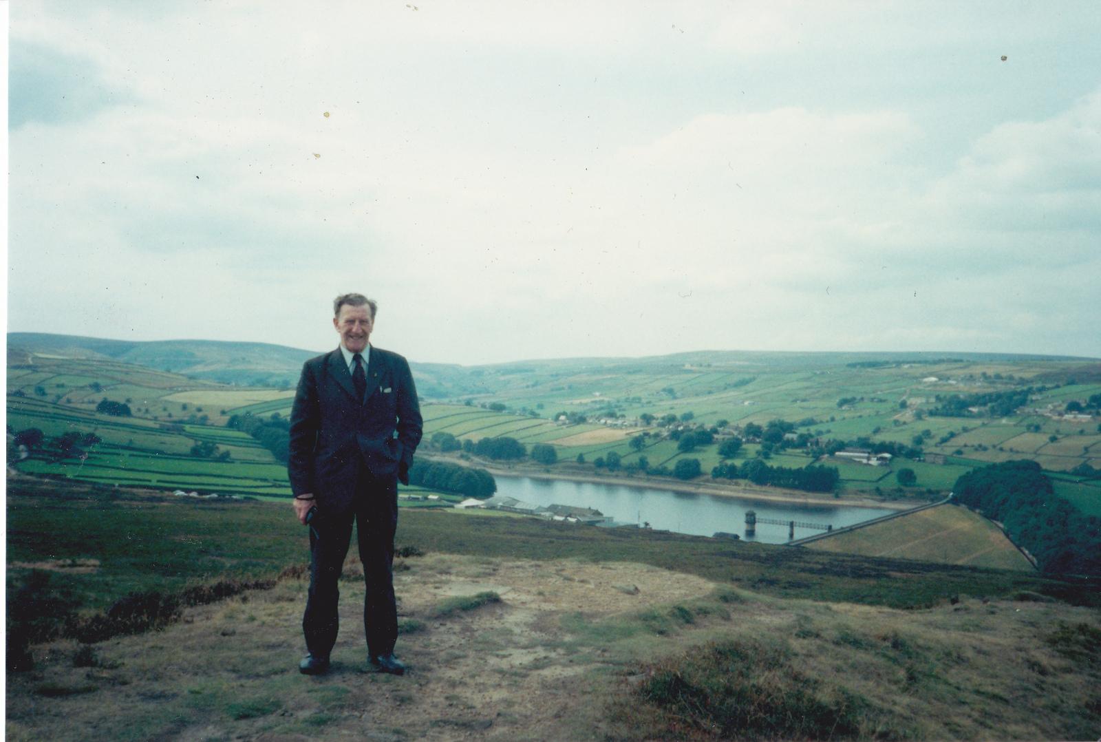 G8DSW at Hadley Rille c1993